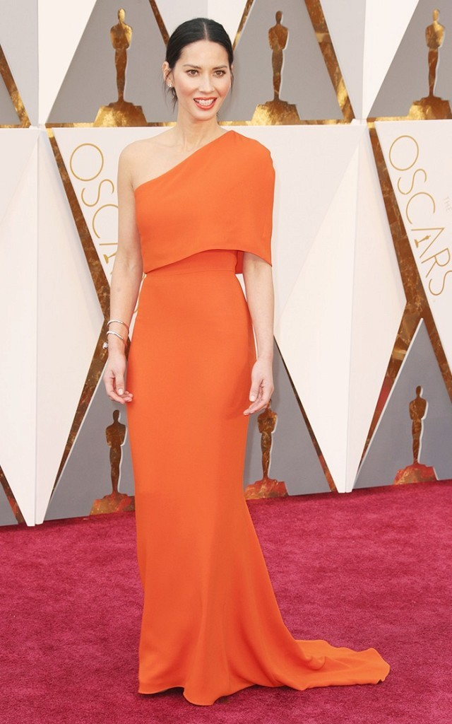 the-oscars-red-carpet-looks-everyone-is-talking-about-1677182-1456705294.640x0c